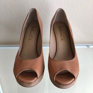 Splendid Tan wedges